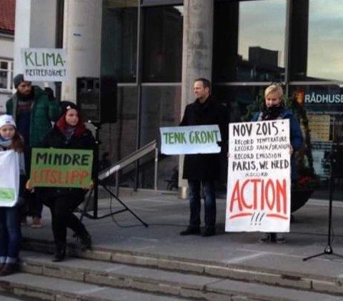 – Ikke nok å tenke grønt, vi må handle – fort og nok. Nygård møtte klimademonstranter også i 2015.
