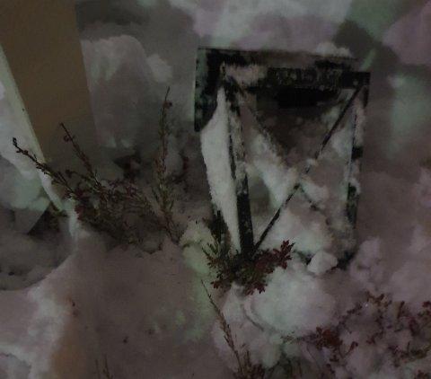 Dette synet møtte Kristoffer Vatne da han besøkte datterens gravsted ved Fredskapellet tirsdag.