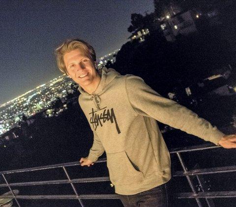 På topp: Matoma – Tom Stræte Lagergren – troner øverst på inntektstoppen av distriktets kulturarbeidere. Her er han på toppen i underholdningsmekkaet Los Angeles.