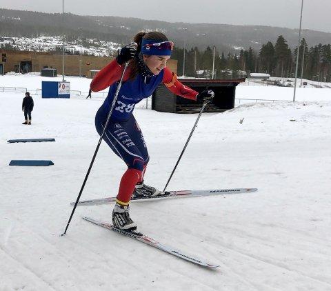 Ragna Fodstad fra ØTS vant klasse jenter 16 år i ØM.