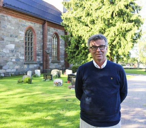 VEMODIG Å GI SEG: Her i Tjøme kirke har Jan Brastein om ikke lenge hatt sin siste gudstjeneste. Nå går turen videre til Skien som sykehusprest.