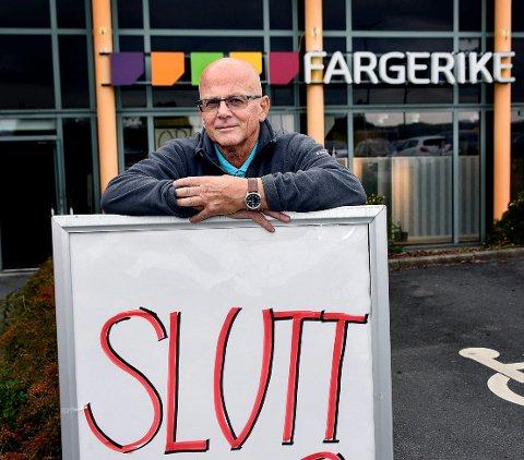 SLUTT:  Det har ikke lykkes Bjørn Borsheim å få noen til å overta fargehandelen på kjøpesenteret.