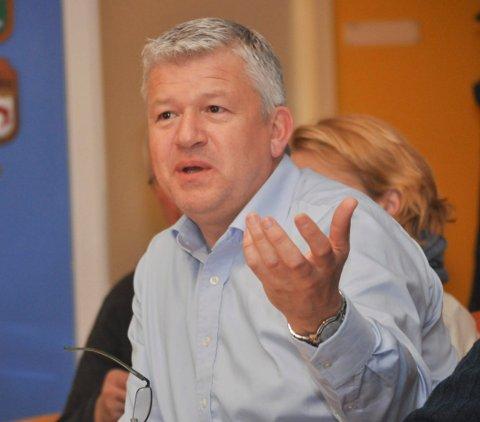 KLARE MED KLAGE: Kragerøordfører Jone Blikra ber ordførerne i Telemark signere et brev til fylkesordføreren om at Telemark må stå klar med en klage dersom Stortinget vedtar forslaget om tvangssammenslåing.