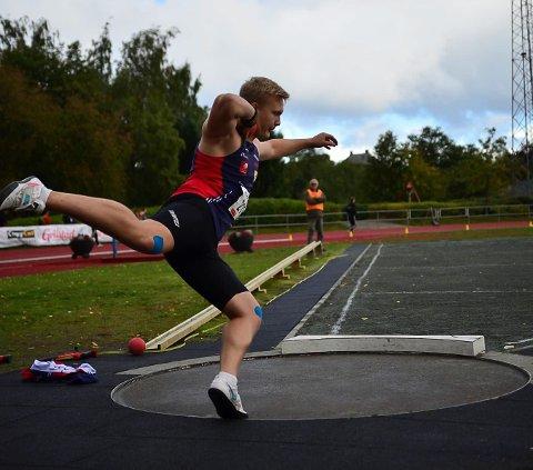 GULL: Henrik Vesterlid tok gull i kule. Totalt ble det 11 medaljer til utøverne fra Hattfjelldal.