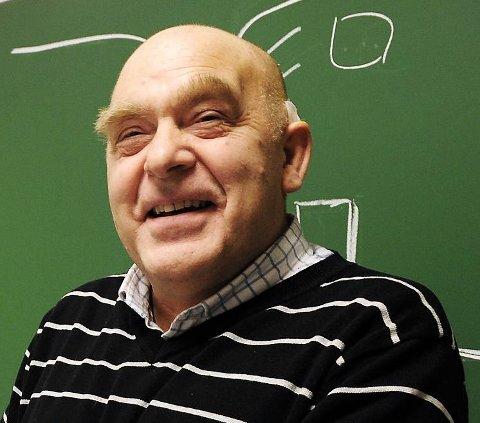 HUMØRSPREDER: Per Olav Baadsvik sprer mye latter og glede rundt seg. I dag runder den engasjerte bangsundingen 75 år.