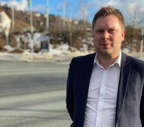 Johan Nordbøe (FrP) vil ta opp bil-miljøets mangel på samlesteder i bystyret,