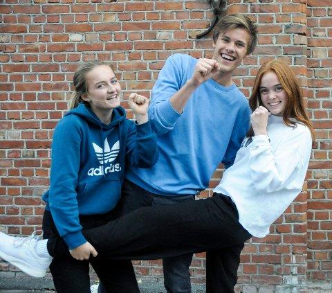 VIL BLI KJENT: Celine Rensel (16 f.v.), Viljar Røysi (18) og Julie Henriette Syversen (16) hadde en god opplevelse på Idol.