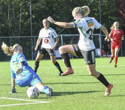 MÅLMASKIN: For andre gang i år scoret Silje Nyhagen  seks mål i en seriekamp, da Grei 2 ble slått 9-2. Totalt er hun nå oppe i imponerende 33 mål så langt sesongen.