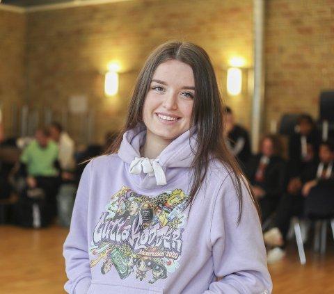 Fin OPPLEVELSE: Madelen Auren (18) fra Spydeberg sier russetiden ikke bare handler om fest og fyll.