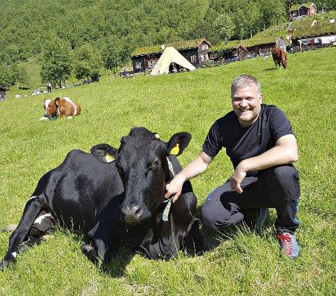 Ferdsel i utmark: Opptre rolig i møte med dyra, er et av rådene til Eystein Opdøl.