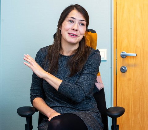 Sophia Witthaut (27) er ny utdannet lege og fra Dortmund i Tyskland. Nå har hun stratet i jobben som kororna smittesporer i Drammen kommune ved smittevernkontoret. Samme med henne er Margareta Sørensen (30) som også er nyansatt og på opplæring
