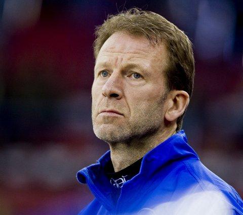 Leter videre: Stjernens sportssjef Rune Gulliksen har fortsatt tre trenernavn på blokka.