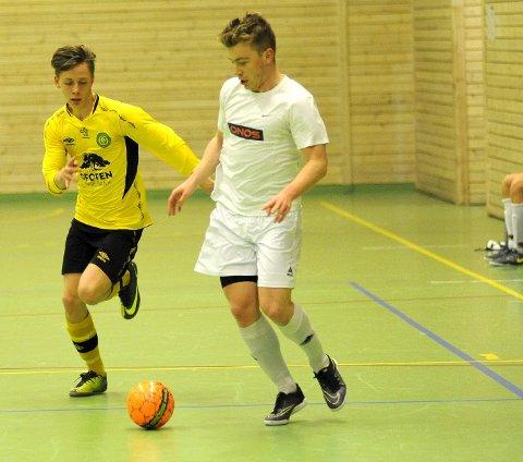 VANT: Jonas Simonsen  og Sambaklubben  Smikkesmukk gikk til topps under Nyttårscupen i  futsal, som gikk i Ballangen. i helgen. Foto: Robin  Bergfald