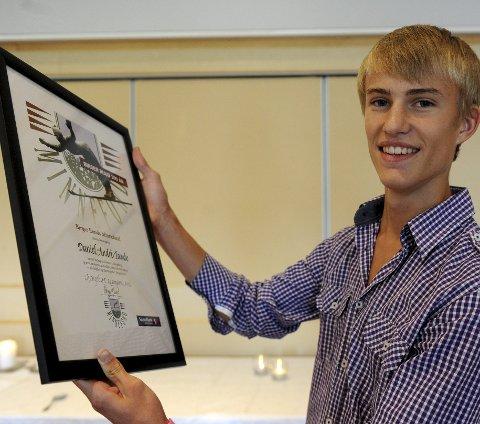 2011: Daniel-André Tande smiler fornøyd etter å ha fått midler fra Birger Ruuds Minnefond på Birger Ruuds 100-årsdag.