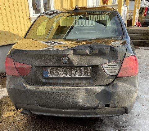 SKADER: Slik så bilen til Henrik Lystad ut etter møtet med lastebilen onsdag ettermiddag.