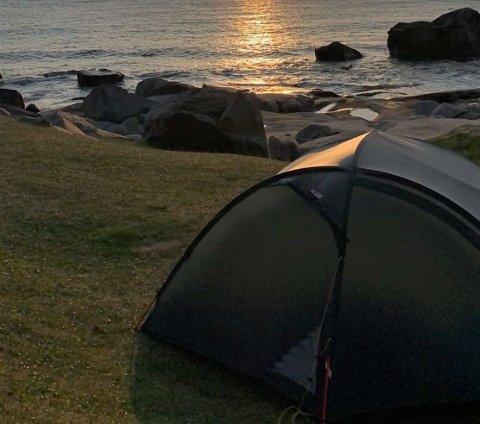 Kommunene i Lofoten jobber nå for å få på plass en egen friluftsforskrift som vil innskrenke retten til å telte på øyene.