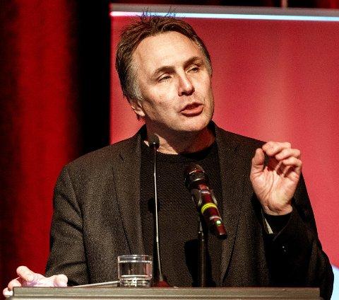 BEKYMRET: Fylkesordfører Tore O. Sandvik mener tallene fra fylkeskommunens temperaturmåling i serveringsbransjen er urovekkende.