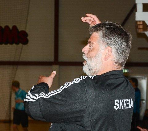Skreia-trener Brede Melby måtte se laget sitt blir slått med 16 mål av Nordstrand lørdag.