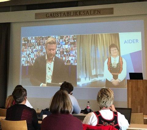 DIGITALT: Aider feiret sammenslåing med alle sine da 200 ansatte digitalt. Vetle Rotlid fra Rjukan var konferansier.