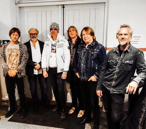 BANDET: Dette er bandet. Fra venstre Bård Ose (vokal, perkusjon), Knut Hem (trommer), Mads Eriksen (gitar), Jostein Forsberg, Morten Omlid (gitar) og Bård Gunnar Moe (bass).