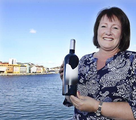 PANG-START: Casa Boquera har produsert sin første vin. Den har fått to gull og ett sølv. – Det er bare slikt som ikke skal skje med en helt ny vin, sier Katherine Scalde, som nå er i Kristiansund.