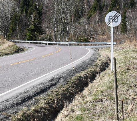 Like før ulykkessvingen på fylkesvei 120 oppheves 60-sonen.