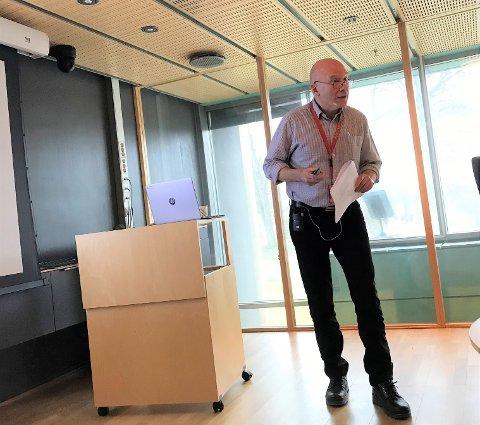 OPPLEVER SKATTESVIKT: Direktør Egil Olsen la frem nye tall. Mai har vært en svak skattemåned. Andre tall trekker i motsatt retning. (Arkivfoto: Dag Magnus Nielsen)