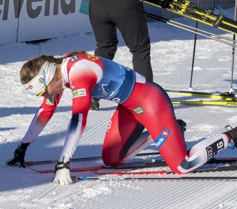 Forbanna: Tiril Udnes Weng innrømmet lett at hun på ingen måte var fornøyd med Charlotte Kallas manøver på Tour de Ski-etappen første nyttårsdag. bilder: TERJE PEDERSEN (SCANPIX)