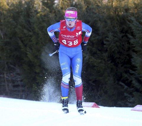 IMPONERER: Johannes Staune-Mittet har slått til fra start av som junior i langrennsløypa. Foto: Erik Borg