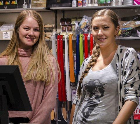 Eurosko: Michelle Gjersengen (f.v.) og Thea Amalie Davidsen jobber i sommer.