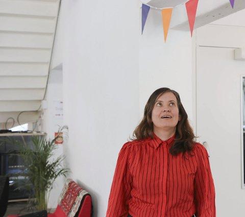 Festivalsjef: Presenterer årets tema, som mange synest er vanskeleg å snakka om. Foto: Synnøve Nyheim