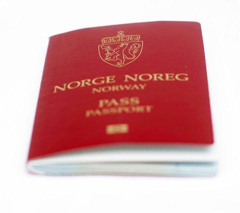Hvis man ikke vil vente i timesvis, bør man bestille nytt pass nå.