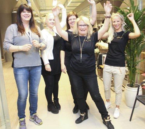 Butikkfolk: Anne-Kristin Sydhagen (t.v.), Mette Aune, Gunnhild Fagervik, Hilde Prestbakk og Lene Bjerknesli.