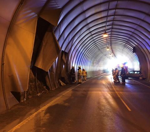 STORE SKADER: Duken i tunnelen fikk store skader.