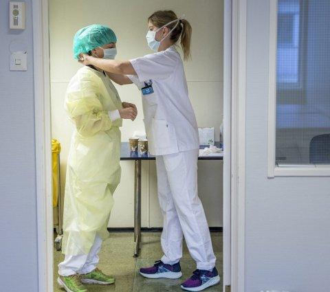 JOBBER DELTID: I kommunal helse- og omsorgssektor er det 64 prosent av kvinnene som jobber deltid.