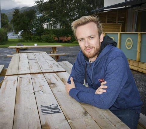Spent: Kristian Sivertsen ser frm til helga med flere nyheter. foto: beate nygård Johansson