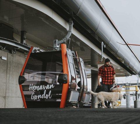 SOMMERSATSING: Gondol-banen i Hemavan er blitt et godt besøkt tilbud også sommerstid. Foto: Trond Isaksen