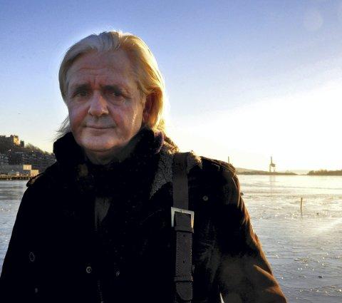 IKKE LAGT PÅ IS: Forfatter Kjell Ola Dahl har skrevet sin andre bok om hendelsesforløpet på Scandinavian Star, en sak han beskriver som et åpent sår 27 år etter tragedien.FOTO: Øystein Tronsli Drabløs