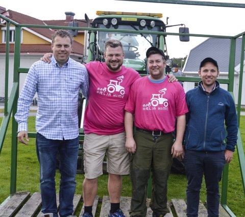 JOBBET IHERDIG: Trygve Skaara (f.v.), leder for Andebu Bondelag Erik Grytnes, Alf Solberg og Andreas Aske.