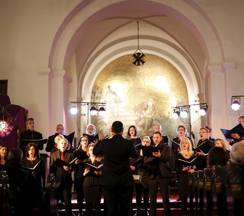KLANG: Det klang vakkert da Con Vocale holdt julekonsert i Gjerpen kirke fredag kveld. FOTO: Christine Nevervik