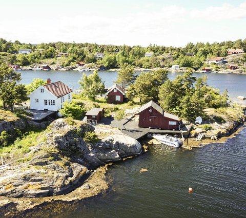 HAFSHOLMEN: For 11,5 millioner kroner kan man sikre seg Hafsholmen i Bamble.