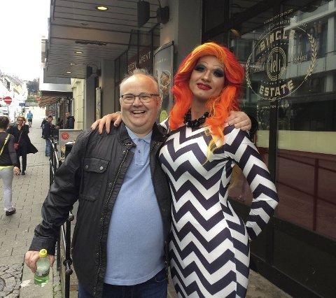 Christian Haugen (Frp) sier at Bergen Frp har hatt en ukultur knyttet til holdninger mot homofile den siste tiden og må rydde opp i egne rekker. Her er han sammen med Ove Sverre Bjørdal (Sp) under Bergen Pride i Bergen tidligere.