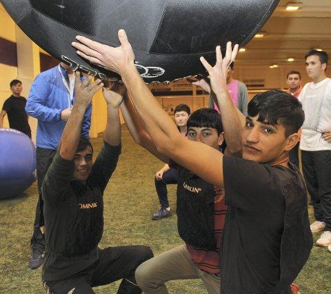 Ny sport: Naqib Maroof liker den nye sporten og spiller gjerne mer Kin-ball.