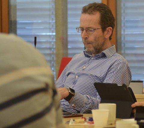 VIL HA PLAN MOT OVERGREP: Bjørn Haugen Morstad (t.h) ønsker at Lunner skal få sin egen handlingsplan mot overgrep mot barn, og håper de andre kommunene i regionen også blir med.