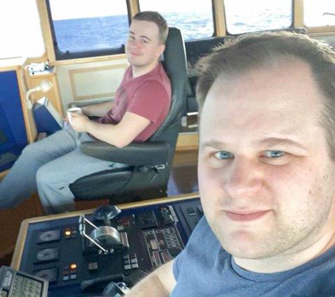 KLAR FOR NYE OPPGAVER: Brødrene Jardar (t.v.) og Joar Majala skal fiske etter torsk og kongekrabbe når de er hjemme i Havøysund i tiden som kommer.