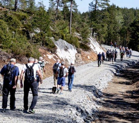 På rekke og rad: Den nye veien følger terrenget og har blitt en ny og fin turvei fram mot Tranvann.