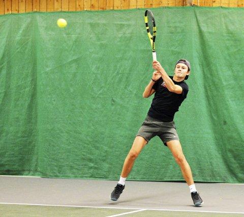 Leverer: Jonathan Berling spiller god tennis om dagen. Foto: Petter Andresen