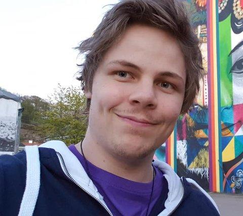 KORONALÅT: Steffen Komperud fra Dokka har med «Bli heme» fått en uventet Facebook-slager.