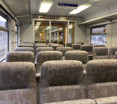 SPØKELSESTOG: Slik så det ut på L21 på vei inn til Oslo torsdag morgen.