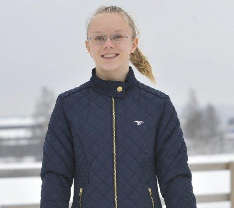FOR NORGE: Aino Namtvedt fra Elverum er tatt ut på det norske juniorlandslaget i turn. 14-åringen har mål om å delta i EM og VM for Norge.